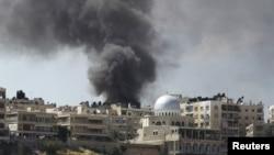 Siria nuevamente sufrió un ataque atribuido a rebeldes sirios. El blanco fue un edificio militar en el centro de Damasco.