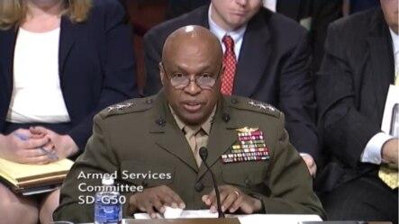 美國國防情報局局長斯圖爾特將軍。