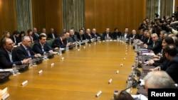 Grčki premijer Aleksis Cipras na prvom sastanku svog novog kabineta u zgradi parlamenta u Atini.