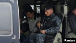 """El """"Chapo"""" Guzmán estuvo 13 años prófugo y es requerido por las autoridades estadounidenses, donde en ciudades como Chicago, es considerado """"el enemigo público número 1""""."""