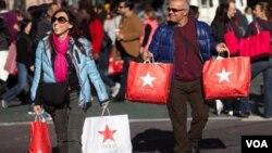 Las compras online son entre el 8 y 10 por ciento de todas las de los días festivos.