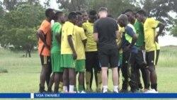 Kliniki ya soka nchini Tanzania ikiendeshwa kwa msaada wa timu ya soka ya Everton kutoka Uingereza