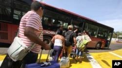 Más de 1.000 colombianos fueron deportados de Venezuela la semana pasada y muchos de ellos a través del uso de la fuerza.