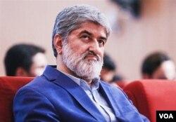 علی مطهری، ۶۳ ساله، نماینده سابق مجلس، فرزند مرتضی مطهری از تئوریسینهای انقلاب اسلامی در ایران است که کمی بعد از انقلاب ترور شد.