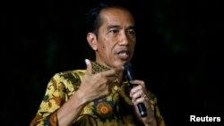 Presiden terpilih Joko Widodo dalam sebuah konferensi pers.