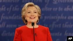 美国民主党总统侯选人希拉里•克林顿在纽约州参加首场大选辩论(2016年9月26日)。