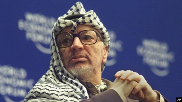 Pakar forensik akan memeriksa jenazah Yasser Arafat yang meninggal di Perancis tahun 2004 (foto: dok).