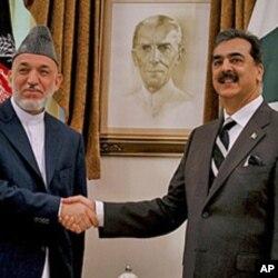 وزیر اعظم گیلانی افغان صدر کرزئی کے ہمراہ