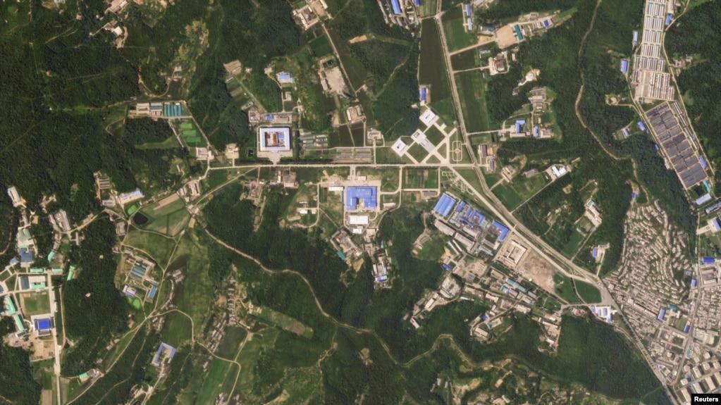Gazeta: Koreja e Veriut po ndërton raketa të reja