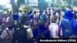 Abantwana abasesikolo koBulawayo