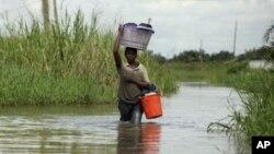 Nigeria Floods 10-26-2011 22222222222