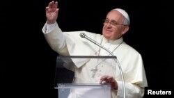 El papa Francisco anunció que impondrá la birreta a los nuevos cardenales el próximo 22 de febrero.