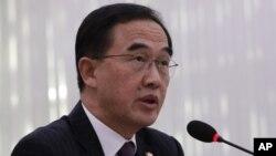 El ministo surcoreano de Unificación, Cho Myoung-gyon, interviene ante la Asamblea Nacional en Seúl, Corea del Sur, el 11 de octubre de 2018.