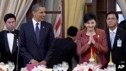 Барак Обама и Йинглак Чинават. Бангкок, Таиланд. 18 ноября 2012 года