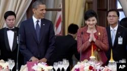 Ο Πρόεδρος Ομπάμα με την Πρωθυπουργό της Ταϋλάνδης