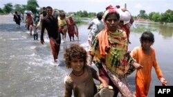 Presidenti pakistanez Zardari viziton zonat e përmbytura