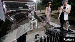တရုတ္ႏုိင္ငံက Rolls-Royce ျပပြဲ။
