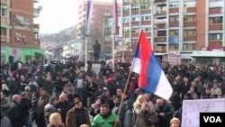 Protest na trgu Šumadija u Kosovskoj Mitrovici
