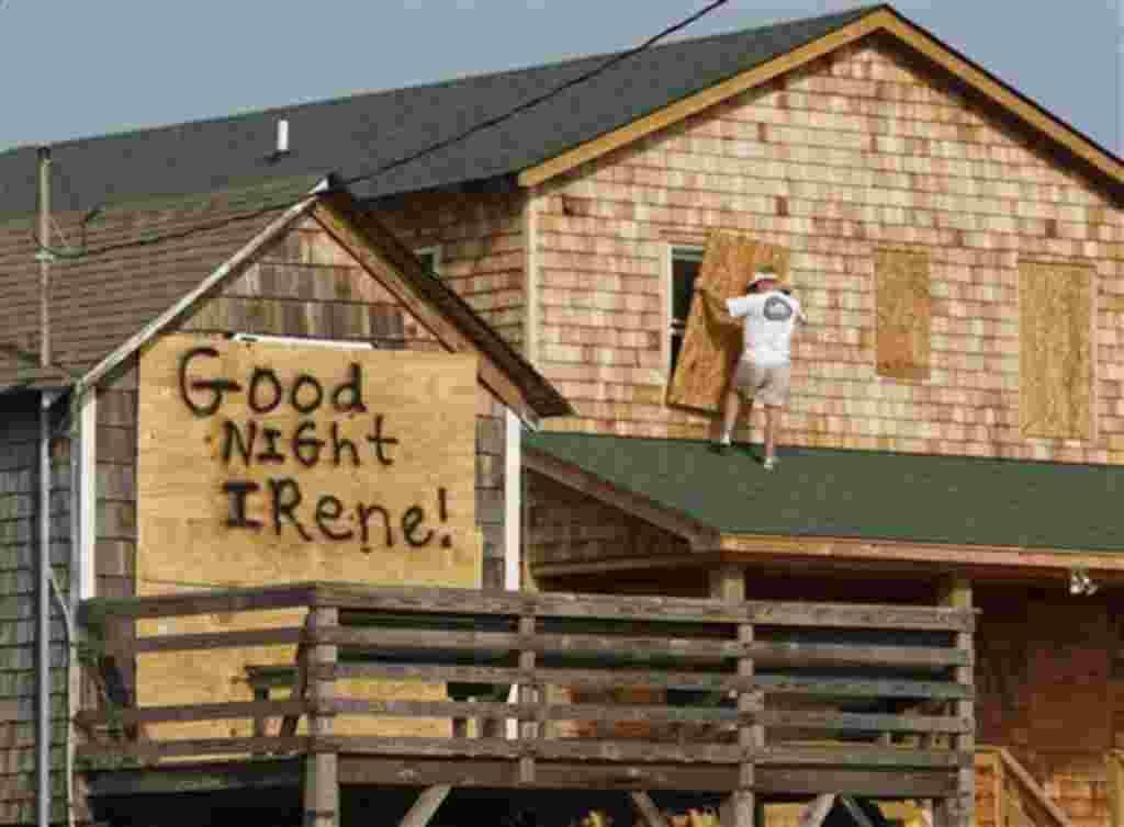 Irene es el primer huracán en amenazar a Estados Unidos en tres años y el segundo desastre natural que afecta la costa Este esta semana.