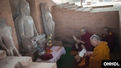 Dalai Lama Gives Public Talk at Raipur University (photo source:dalailama.com)