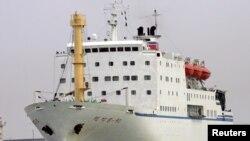 지난 2005년 북한 만경봉호가 일본 니가타항에 입항하고 있다. (자료사진)