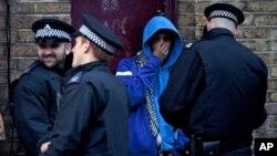 برطانیہ جرائم پیشہ گروہوں سےنمٹنےکےلئے امریکہ کےتجربات سے فائدہ اٹھائے گا