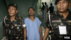 Salah seorang tersangka anggota JI, Mubin Sakandal Abdurajak, ditahan di Manila, Filipina (foto: dok).