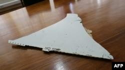 Un morceau d'avion trouvé au large de la côte est-africaine du Mozambique par l'Institut de l'aviation civile du Mozambique (IACM) pouvant appartenir au Boeing 777 de Malaisia Airlines assurant le vol MH370 disparu disparu le 8 mars 2014, avec 239 personnes à bord, (3 mars à Maputo), Mozambique.