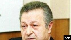 Eks-prezident Ayaz Mütəllibov Bakıya gəlib