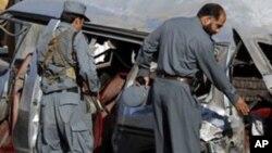 پولیس می گوید که امروز یک ماین جاسازیشده در منطقۀ خیرخانه کابل دو تن را کشته است.