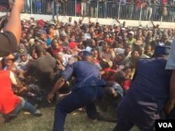 Mugabe body viewing stampede ...