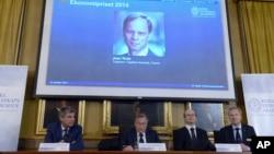 Viện Khoa học Hoàng gia Thụy Điển loan báo giải thưởng tại Stockholm, ngày 13/10/2014.