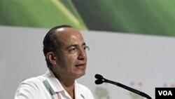 Presiden Meksiko Felipe Calderon berpidato pada pembukaan KTT Iklim PBB di Cancun.