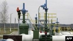 Nafta e nxjerrë nga shtresat ranore në Kanada krijon bum energjetik