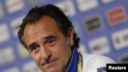 Pelatih Italia, Cesare Prandelli mengkritik UEFA karena menentukan jadwal pertandingan yang dinilai tidak adil (foto: dok).