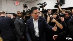 Mitt Romney je favorit