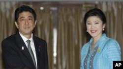 日本首相安倍晉三與泰國總理英祿星期四在曼谷會面
