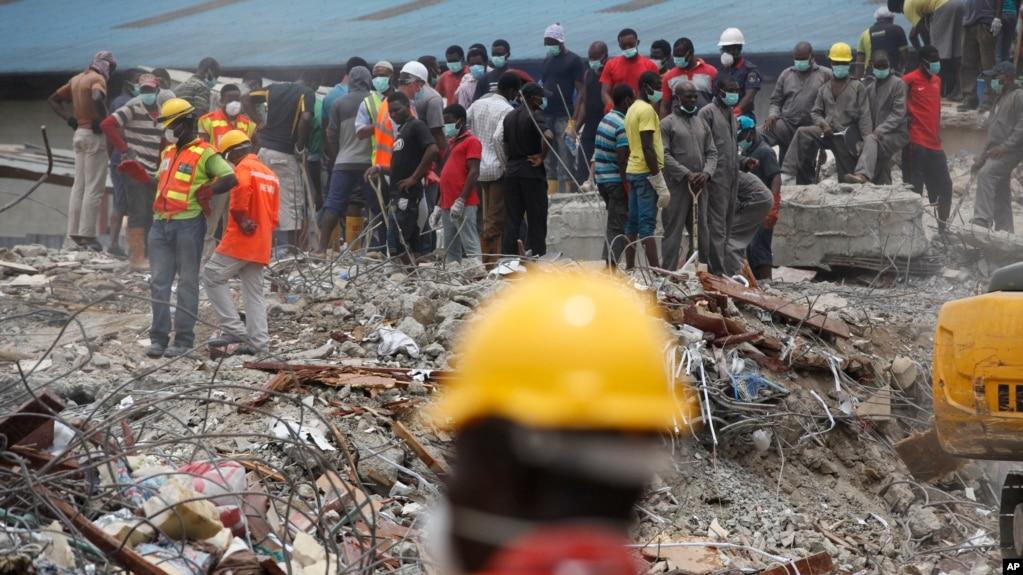 """Résultat de recherche d'images pour """"effondrement d'un immeuble à Lagos"""""""
