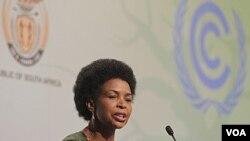 Presiden COP 17 Nkoana Mashabane berbicara dalam acara pembukaan konferensi iklim PBB di Durban, Afrika Selatan. (28/11)