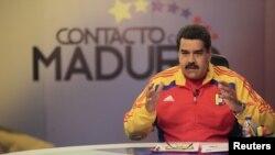 Maduro insistió en que nadie se debe meter en los asuntos internos de su país, algo de lo que acusa a Macri.
