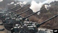 지난 2010년 12월 한국 포천에서 실시된 K-9 자주포 사격 훈련. (자료사진)