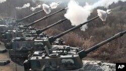 지난 2010년 한국 포천에서 실시된 훈련에서 K-9 자주포 발사 장면. (자료사진)