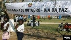 Marcha do Dia da Paz em Moçambique 4 de Outubro (Foto SAPO)