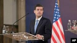 Помощник государственного секретаря США по вопросам Европы Весс Митчелл