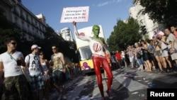 Parade kaum homoseksual atau gay di Madrid, Spanyol (foto: dok). Serbia melarang parade gay di Belgrade dengan alasan keamanan.