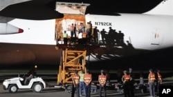 지난 2011년 9월 미국이 지원하는 수해지원 물자가 북한 평양에 도착했다. (자료사진)