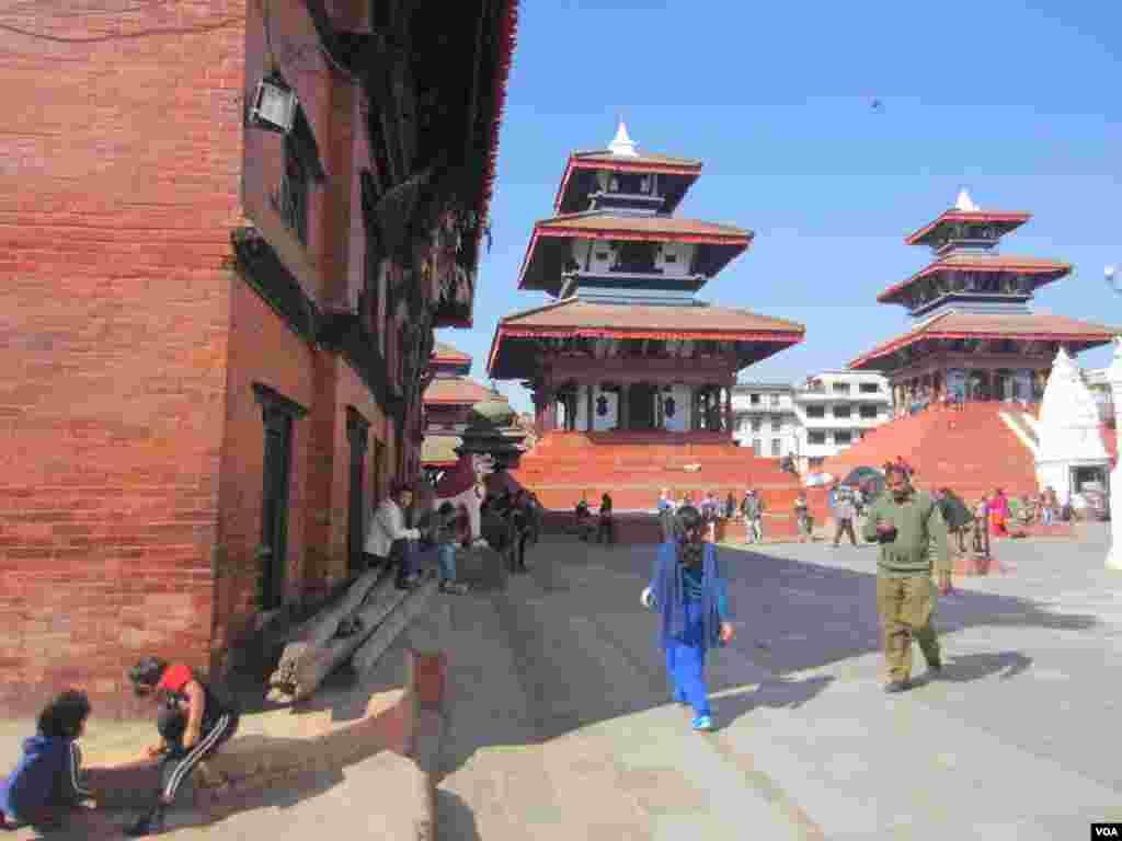 UNESCO World Heritage Site Durbar Square in Kathmandu, Nov. 17, 2013. (Aru Pande/VOA)