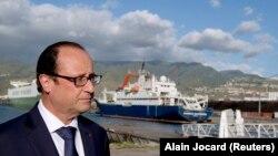 Francuski predsednik Fransoa Oland raspustio vladu