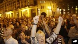 Tiflis'te seçim zaferini kutlayan muhalefet yanlıları