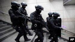 У військових навчаннях беруть участь також підрозділи поліції спеціального призначення